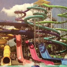One of my favorite things to do during the summer! WATERPARKS )