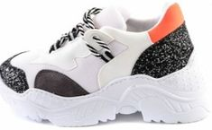 Turuncu siyah ve beyaz renk simli pullu topuklu Bambi sneaker modeli Jordans Sneakers, Air Jordans, Bambi, Balenciaga, Shoes, Fashion, Moda, Zapatos, Shoes Outlet