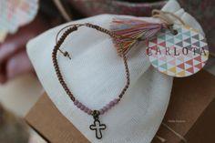 Pulsera cruz que forma parte de nuestra canastilla de bebé...un regalo para la hermana