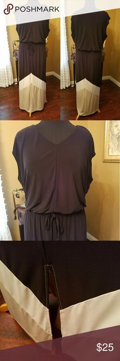 """💥Chico's Maxi dress Chico's Maxi dress , v neck, elastic waist with tie in front.  16"""" slit on each side . Bodice is lined. In EUC .  Black with white and tan at bottom. Chico's size 4. Chico's Dresses Maxi"""