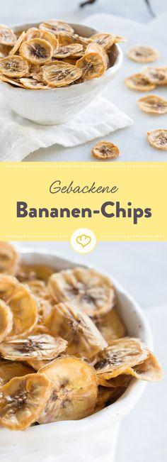 Wenn dich zwischendurch der Süßhunger überkommt, sind gebackene Bananen-Chips genau das Richtige für dich.