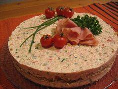 Hyydytetty voileipäkakku - Katariinan keittiössä  http://rockyroad.vuodatus.net/blog/580254
