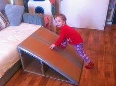 Cardboard slide- not in English but i'll find my way to do it! ---> link does not work! Use for inspiration only ;o)
