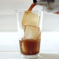 Mexican Vanilla Iced Coffee is part of Mexican Vanilla Iced Coffee Healthy Af Tastemade - Kick back and savor this refreshing, sweet and healthy Mexican vanilla iced coffee Coffee Cafe, Coffee Drinks, Coffee Shop, Coffee Menu, Yummy Drinks, Healthy Drinks, Healthy Smoothies, Vanilla Iced Coffee, Iced Tea