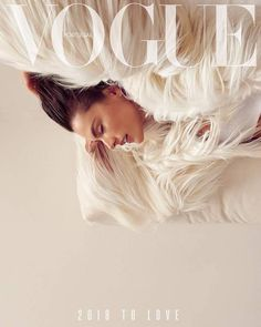 Magazine photos featuring Alessandra Ambrosio on the cover. Alessandra Ambrosio magazine cover photos, back issues and newstand editions. Vogue Covers, Vogue Magazine Covers, Magazine Cover Page, Alessandra Ambrosio, Vogue Vintage, Fashion Vintage, Foto Fantasy, Magazin Covers, Magazin Design