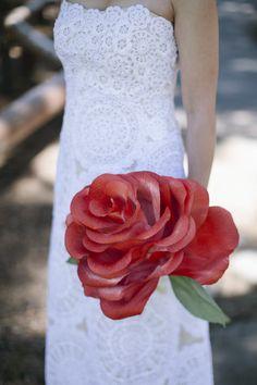 Single red rose bouquet Paper Flower Decor, Large Paper Flowers, Paper Flowers Wedding, Flower Decorations, Wedding Bouquets, Wedding Mc, Floral Wedding, Dream Wedding, Wedding Ideas