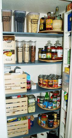 Beste Pantry-Organisation The pantry a part of your day-to-day ritual, and it ought to be organized in a sense that is quite efficient for your requirements. The ideal way to stay organized is to label the things in your pantry. There are many Pantry Small Pantry Organization, Pantry Storage, Kitchen Storage, Pantry Ideas, Organizing Ideas, Organize Small Pantry, Pantry Shelving, Organized Kitchen, Small Pantry Closet