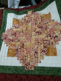 Almazuelas Quilts, Blanket, Bed, Ideas, Scrappy Quilts, Stream Bed, Quilt Sets, Blankets, Log Cabin Quilts