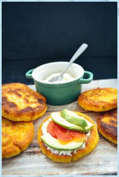 News Arepas Rezept boyacense original kolumbianisc Tailgate Desserts #News #Arepas #Rezept #boyacense #original #kolumbianisc #Tailgate #Desserts Easy Tailgate Food, Tailgate Desserts, Easy Sandwich Recipes, Easy Appetizer Recipes, Healthy Christmas Recipes, Weightwatchers Recipes, Dinner Sandwiches, Finger Food Appetizers, Vegetarian Recipes Dinner