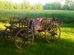 Love this old wagon w/American flag I Love America, God Bless America, American Pride, American Flag, American Country, Country Life, Country Roads, Country Living, Old Wagons