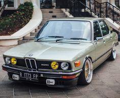 BMW 520 e12