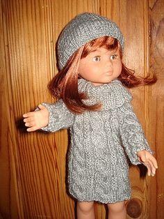 Fiche gratuite vêtements de poupées N° 110: ROBE COTES COUPÉES - Le blog de La malle ô trésor de Sylvie Crochet Doll Dress, Knitted Dolls, Knit Crochet, Crochet Hats, Knitting Dolls Clothes, Doll Clothes, Nancy Doll, Crochet Christmas Decorations, Pretty Dolls
