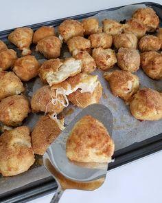 Hayırlı akşamlar sevgili takipcilerim 🙏🌷 Yarın sabah kahvaltıya top börek yapmak istermisiniz 🌷 çift tıklayana ikramın olsun güzel…