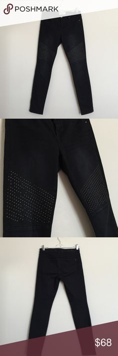 "Rachel Roy black rivet studs skinny pants jeans 27 These are awesome pants! Lightly distressed with rivet details, some missing studs pictured. Stretchy denim material. Waist 15"", rise 8.5"", inseam 29"". Bundle to save 25%! RACHEL Rachel Roy Jeans Skinny"