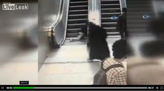 (Vídeo) Una escalera eléctrica estruja la pierna de un niño en Turquia - http://www.esnoticiaveracruz.com/video-una-escalera-electrica-estruja-la-pierna-de-un-nino-en-turquia/