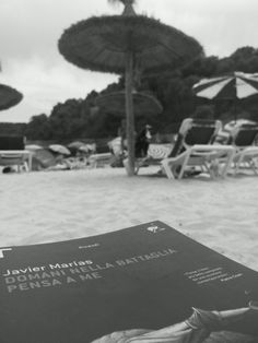Libri in vacanza: Marías in bianco e nero