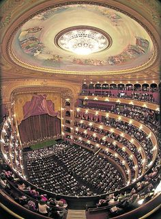 The Teatro Colon (Columbus Theatre) is the main Opera house in Buenos Aries in Argentina. I'm sure Chris Cornell played there in 2016 💙🇦🇷… Most Beautiful Cities, Beautiful Buildings, Argentine Buenos Aires, Latina, Tango, Argentina Culture, Theater, Equador, Scenic Photography