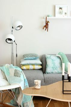 love the seafoam green and light gray color scheme