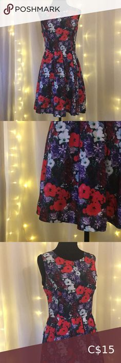Floral forever 21 dress Has a silky texture. Perfect condition. Size medium. Forever 21 Dresses Mini Pink Sequin Dress, Blue Denim Dress, Wrap Dress Floral, White Lace Tank Top, White Mini Dress, Corduroy Overall Dress, Tribal Print Dress, Tight Dresses, Forever 21 Dresses
