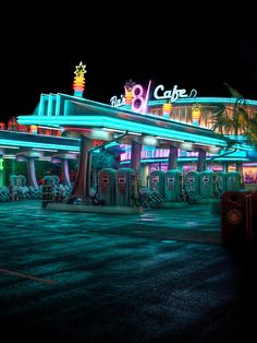 Flo's V8 Cafe - Cars Land - Disney California Adventure  Flo's V8 Cafe IT is the spot every photographer has to take on while at California Adventure.