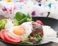 Loco moco, ou burger hawaïen : http://www.cuisineaz.com/recettes/loco-moco-ou-burger-hawaien-88775.aspx