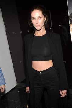 Erin Watson looking super cool in black crop top, jeans and blazer. Erin Wasson, Country Girl Style, My Style, Fade Styles, French Girls, All Black Everything, Outfit Combinations, Back To Black, Black Ish