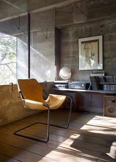 Paulistano Armchair with records