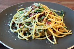 Farm Fresh: Double Garlic Carbonara on http://whitsamusebouche.com