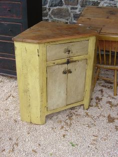 I already have 7 spots to place it ready in my mind, and 3 ways I can decorate/refinish it. I want thisssss.