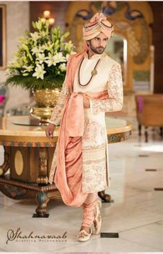 There are many wedding sherwani designs that are available in the market. We provide you an ultimate list of vendors for the Indian wedding groom dresses which are best in the city.