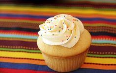 Receita do buttercream de chocolate branco fonte http://www.saboresdochef.com O buttercream pode ser usado tanto para cober...