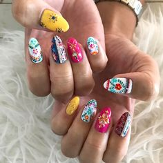 embroidery ・ ・ ・ ボーダーに刺繍がポイント♡ ・ #embroidery#embroiderynails#nailswag#nailart#naildesign#japanesenails#japanesenailart#instanail#nailarts#nailstagram#handpaint#art#gelnail#nailsbymiyuki#hawaiinail#gelnail#coolnails#刺繍ネイル#ジェルネイル#ハワイ#ハワイネイル#ネイルデザイン#美甲#네일아 #젤네일 #네일리스트