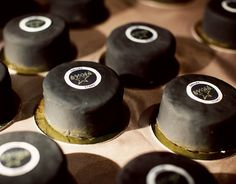 Hockey puck mini cakes :: Pinning this mainly because it's a good example of the size I'm thinking my wedding cakes/petit fours should be.