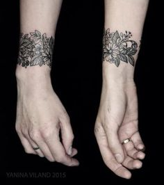 What does cuff tattoo mean? We have cuff tattoo ideas, designs, symbolism and we explain the meaning behind the tattoo. Cute Tattoos On Wrist, Flower Wrist Tattoos, Wrist Tattoos For Women, Pretty Tattoos, Tattoo Flowers, Wrist Coverup Tattoos, Cuff Tattoo Wrist, Wrist Tattoo Cover Up, Tattoo Band