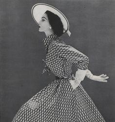 Iconic Model Dovima's 6 Best Looks in Vogue