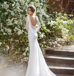 Love the back of this dress! So pretty, love the lace detail and the gorgeous godet.