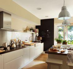 Reforma de una cocina abierta al comedor con un toque retro