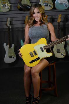 Fender Telecaster TV Jones in Faded Graffiti Yellow