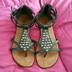 Mudd Sandals Zip back sandals super cute and comfortable flats Mudd Shoes Sandals