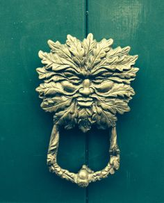 A gorgeous example of a Green Man door knocker in Frome, Somerset Antique Door Knockers, Door Knobs And Knockers, Under Lock And Key, Beautiful Homes, House Beautiful, Green Man, Knock Knock, Metallica, Celtic