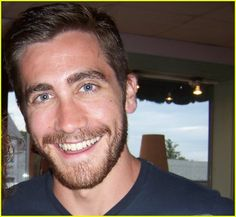 Jake Gyllenhaal you are so cute! Why can't I have you!!!!!!!!