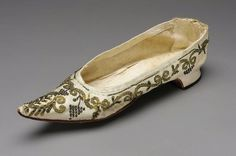 1790s, France - Slipper - Silk twill embroidered with metal threads and sequins; leather sole and heel