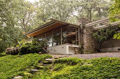 Richard Neutra's 1963 Coveney House featured on Philadwellphia.com, courtesy of Marion Dinofa, Realtor.