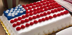 Another day of American independence is coming and like every year we celebrate in a big way and although i can't teach you how to make fireworks, we can celebrate with a delicious cake with USA flag in tribute to our fantastic country. As a tip I recommend you make this cake with your children to teach them the values that our ancestors have achieved the July 4th in 1776.  See how to make fourth of July cake for independence day:  http://recikia.com/fourth-of-july-cake-independence-day/