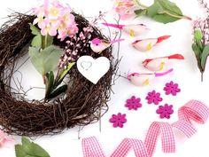 Veneček růžový - sada Grapevine Wreath, Grape Vines, Wreaths, Home Decor, Decoration Home, Door Wreaths, Room Decor, Vineyard Vines, Deco Mesh Wreaths