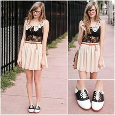I want Oxfords so badly! Classic black and white saddle shoes give a cool vintage feel to an outfit.