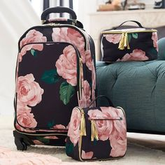 The Emily and Meritt Floral Ultimate Hanging Toiletry Case Pbteen Cute Luggage, Luggage Sets, Travel Luggage, Travel Bags, Teen Luggage, Travel Backpack, Sac Lunch, Cute Suitcases, Emily And Meritt