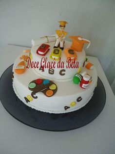 BOLO PARA FORMATURA ABC Teachers Day Cake, Abc Party, Teachers' Day, Birthday Cake, Desserts, Cakes, Crayons, Parties, Theme Cakes
