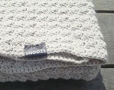 witte gehaakte deken