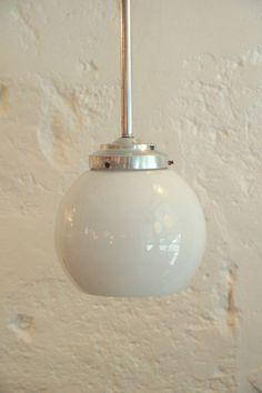Applique plafonnier ancien verre opaline blanche brillante rectangulaire